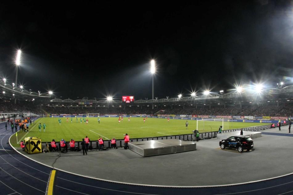 Stadion der Stadt Linz - Fußballspiel © Helmut Mühleder