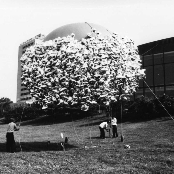 Klangwolke 1979 - Herzballon © Peter